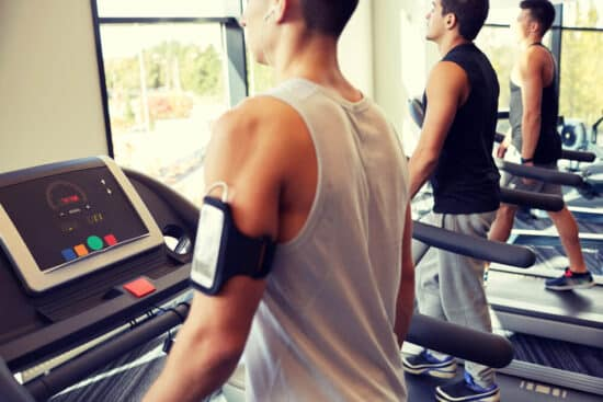 כיצד לייעל אימון הליכה על הליכון